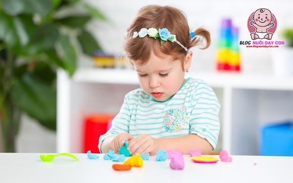 Trò chơi thông minh cho bé sử dụng đôi tay