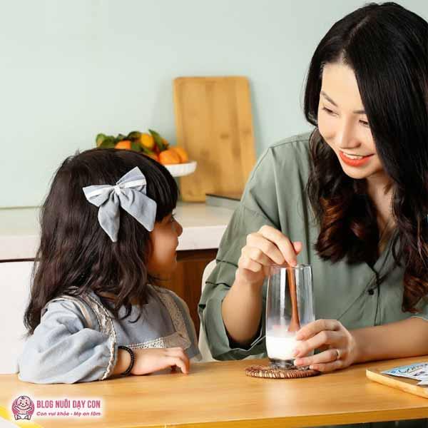 Sữa non giúp bé ăn ngon
