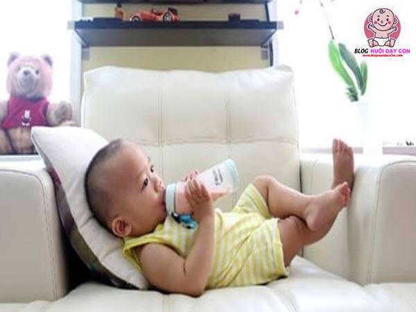 Bé mấy tuổi có thể dùng sữa hạt