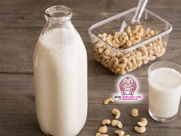 Cách làm sữa hạnh nhân hạt điều