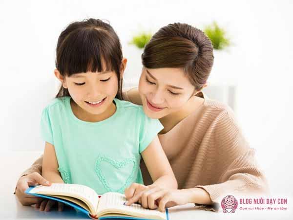 Dành thời gian học cùng con