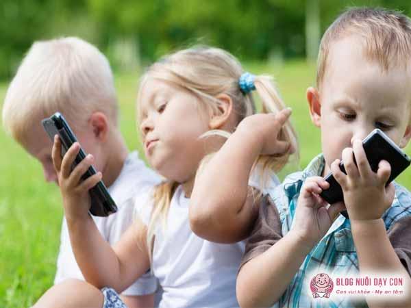 Trẻ bị nghiện các thiết bị điện tử
